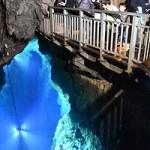 龍泉洞が半年ぶり営業再開 岩泉、台風被害から復活